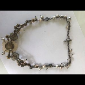 Jewelry - Mother of pearl necklace. Silver.